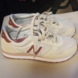 Size 10 New Balance shoes